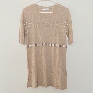 VINCE. Small Short Sleeve Crew Neck Sequin Shirt